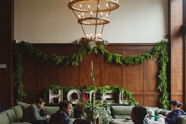 <p>Ace Hotel Holiday Lobby</p>